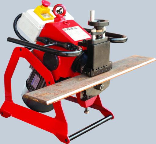 Plåtfasmaskin GBC Challenge 12. Detta är en kantfasmaskin för plåt mellan 6 och 40mm
